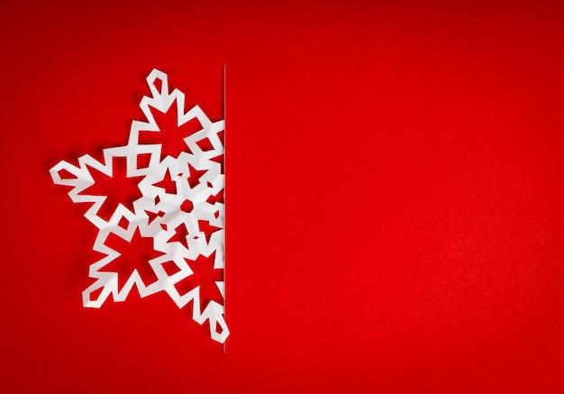 Carte Postale De Noël De Cru Avec De Vrais Flocons De Neige En Papier Photo gratuit