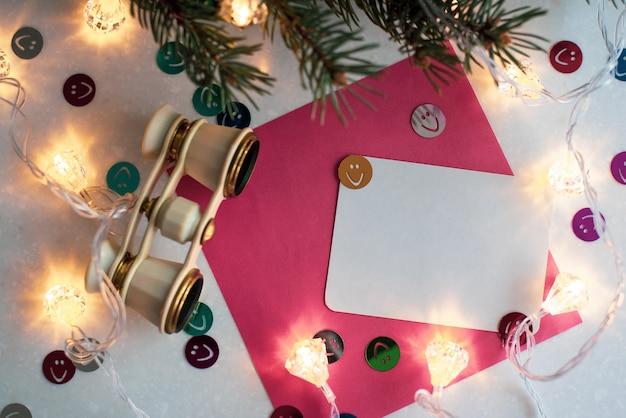 Carte De Voeux Blanche Vierge De Noël Avec Décoration Photo Premium