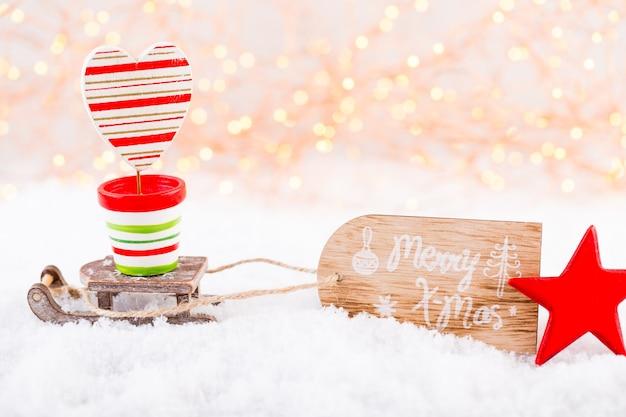 Carte De Voeux De Noël. Décoration Festive Sur Fond Argenté Bokex. Concept De Nouvel An. Copiez L'espace. Mise à Plat. Vue De Dessus. Photo Premium