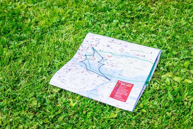Carte De Voyage Topographique. Vacances Et Vacances. Photo Premium