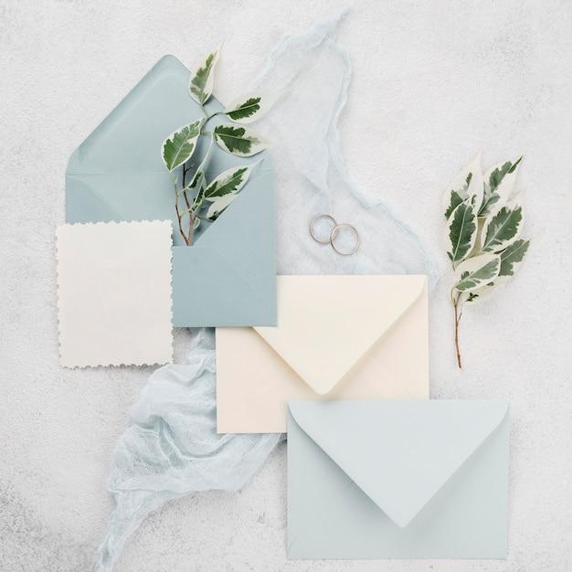 Cartes D'invitation De Mariage Avec Des Fleurs Photo gratuit
