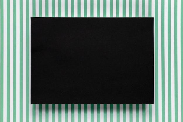 Carton Noir Avec Fond Dépouillé Photo gratuit