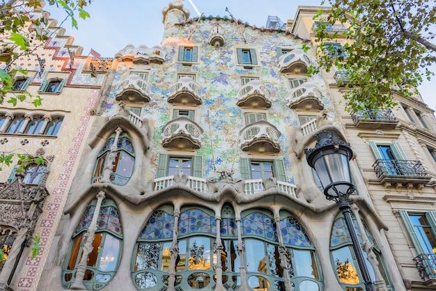 Casa batlo bâtiment de gaudi barcelone, espagne Photo Premium