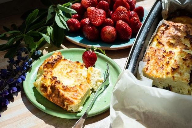 Casserole de fromage cottage appétissante Photo Premium