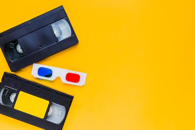 Cassette vidéo avec des lunettes 3d Photo gratuit