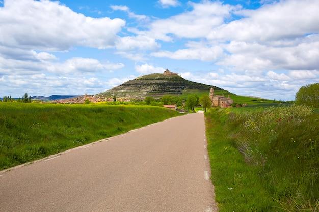 Castrojeriz sur le chemin de saint-jacques à castille Photo Premium