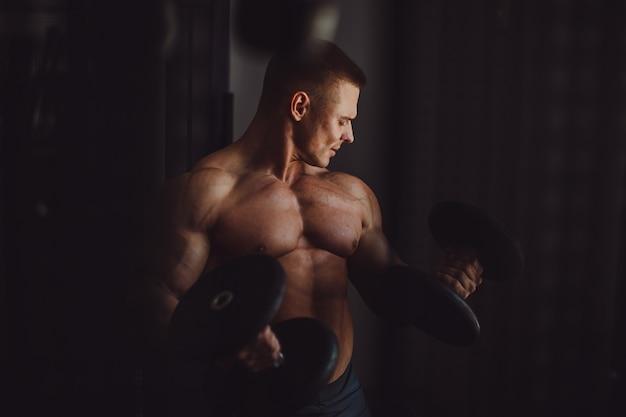 Caucasien sport mur de fond abdominal Photo gratuit