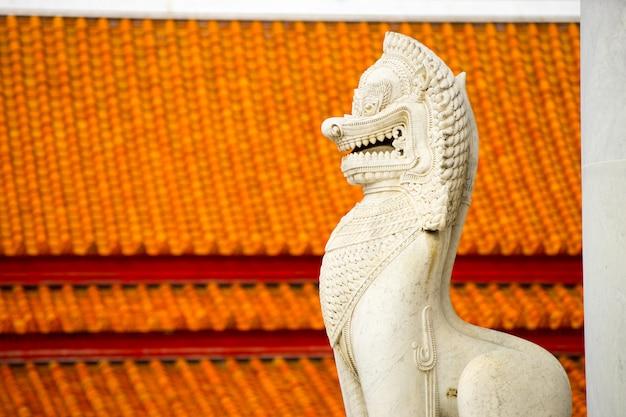 Le célèbre temple de marbre benchamabophit de bangkok en thaïlande Photo Premium