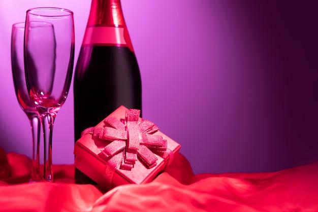 Célébrer la saint valentin Photo Premium