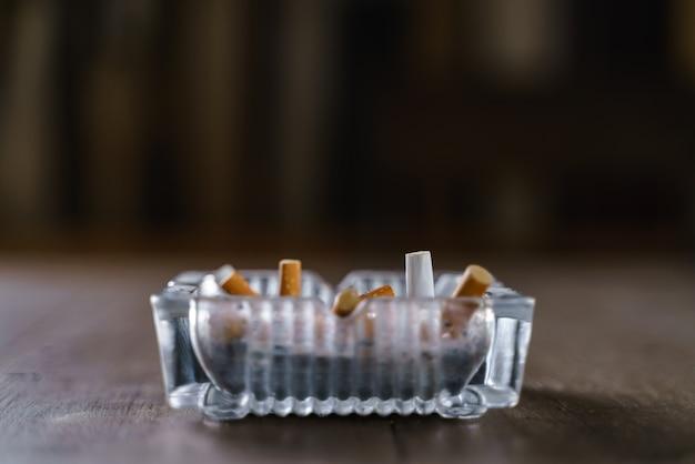 Cendrier à cigarettes Photo Premium