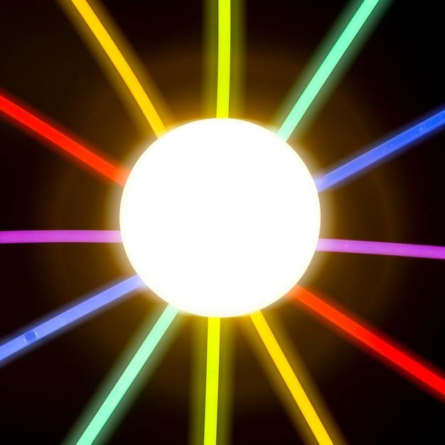 Cercle Illuminé Entouré D'un Tube De Lumière Fluorescent Photo gratuit