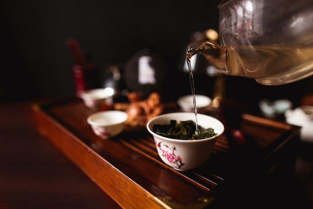La cérémonie du thé chinois traditionnel. Photo gratuit