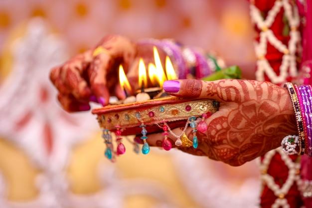 Cérémonie de mariage du maharashtra dans l'hindouisme Photo Premium