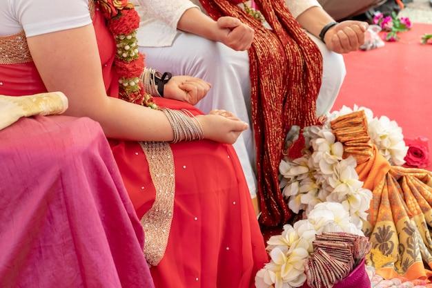 Cérémonie de mariage indien, décorations pour les rituels ethniques traditionnels du mariage Photo Premium