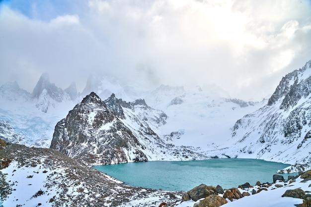 Cerro Fitz Roy, Patagonie, Quand Nuageux, Temps Normal Photo Premium