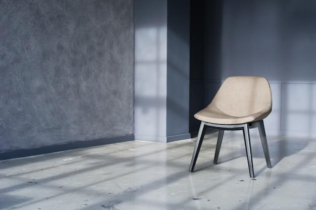 Chaise Design à L'intérieur D'un Studio Loft Noir Photo Premium