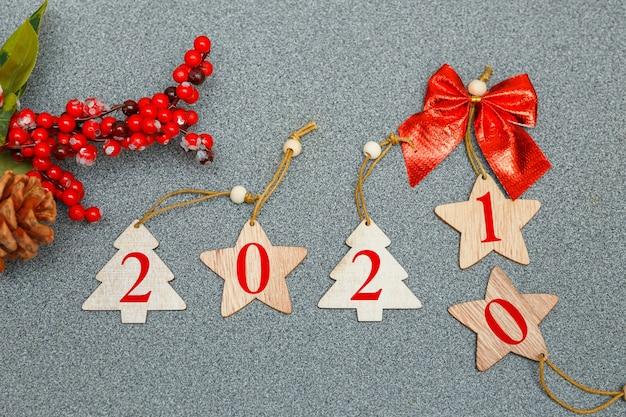 Changement De Composition Du Nouvel An En Année Avec Des Jouets De Noël Photo Premium