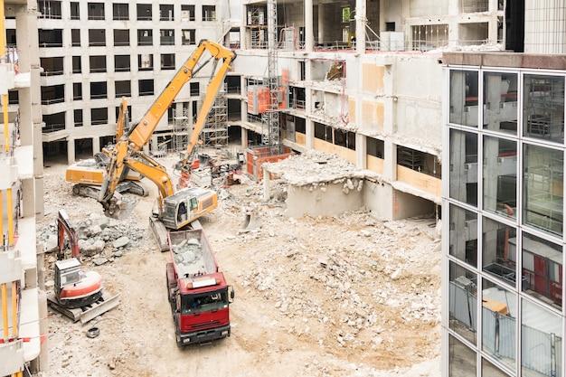 Chantier de démolition d'un bâtiment Photo Premium