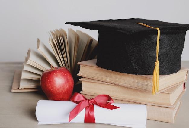 Chapeau Académique Carré Photo gratuit