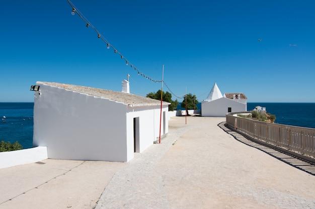 Chapelle De Nossa Senhora Da Rocha, Algarve, Portugal Photo Premium