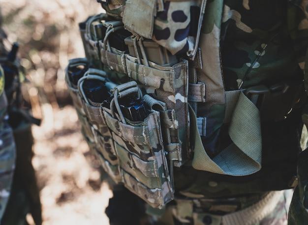 Chargeurs pour canons à air, jeu militaire airsoft. Photo Premium