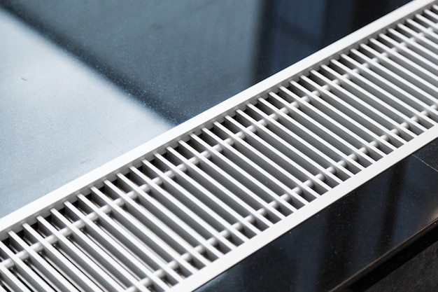 Chauffe-eau encastré dans le sol Photo Premium