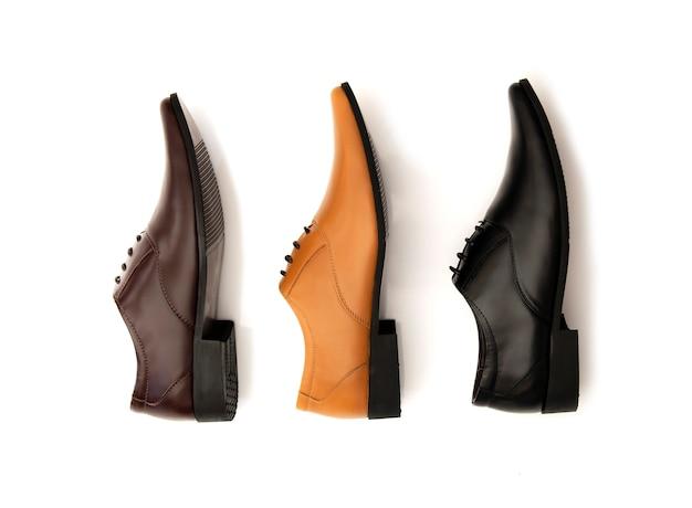 Chaussures de bureau de mode hommes isolés sur blanc. vue de dessus Photo Premium