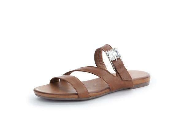 Chaussures plates d'été pour femmes isolés sur fond blanc Photo Premium