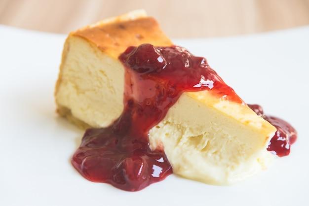 Cheesecake aux fraises Photo gratuit