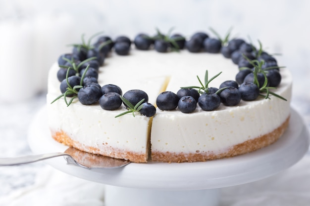 Cheesecake aux myrtilles Photo Premium