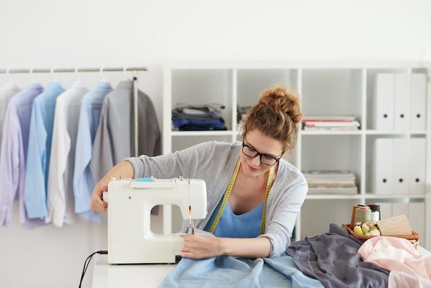 Chemises de couture Photo gratuit