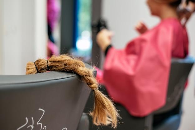 Cheveux Tressés Pour Don De Cancer Photo Premium
