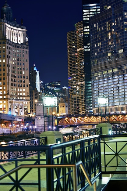 Chicago Colorful Night Photo gratuit