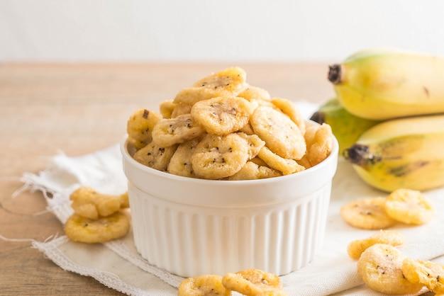 Chips croustillantes à la banane Photo Premium