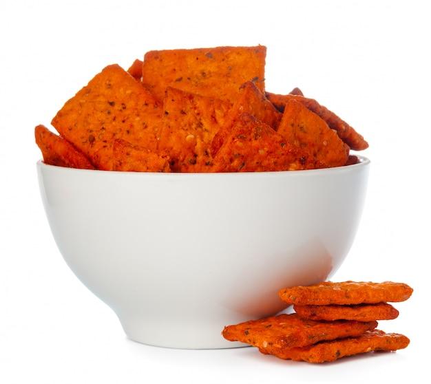 Chips de pain séché isolés Photo Premium