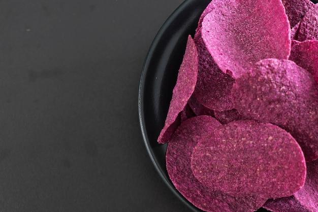 Chips de pommes de terre douces Photo Premium