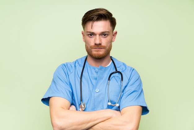 Chirurgien, docteur, homme, garder bras croisés Photo Premium
