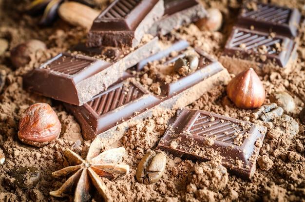 Chocolat, Noix Et épices Photo Premium