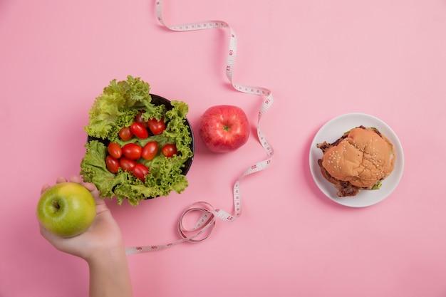 Choisissez des aliments bénéfiques pour le corps Photo gratuit