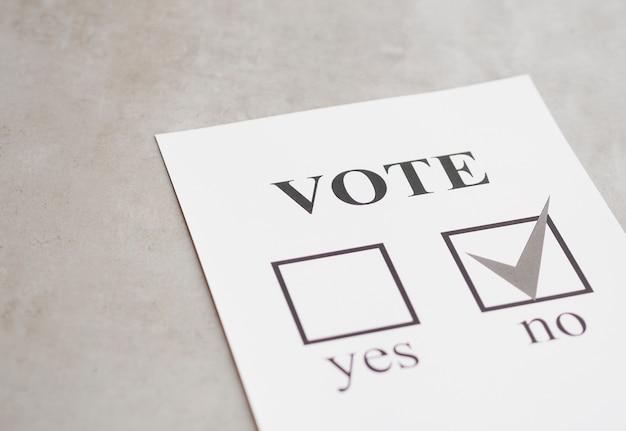 Choix négatif du référendum en noir et blanc Photo gratuit