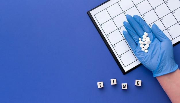 Chronologie Pour Le Traitement Des Pilules Avec Copie-espace Photo gratuit