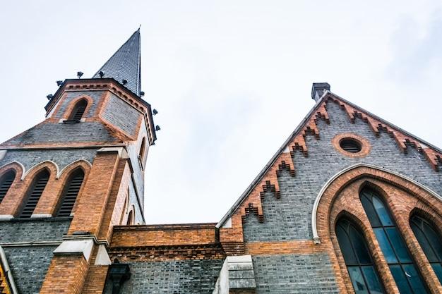 Church exterior Photo gratuit