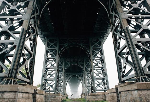 Ci-dessous, Plan Du Pont De Brooklyn à New York Photo gratuit