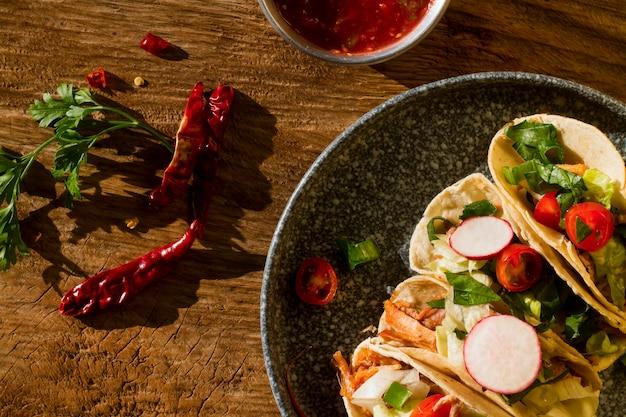 Ci-dessus, Voir De Délicieux Ingrédients De Taco Photo gratuit
