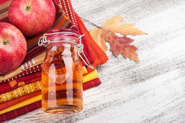 Cidre de pomme fait maison Photo Premium
