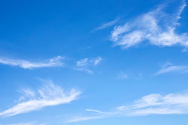 Ciel bleu avec fond nuage et texture abstraite Photo Premium