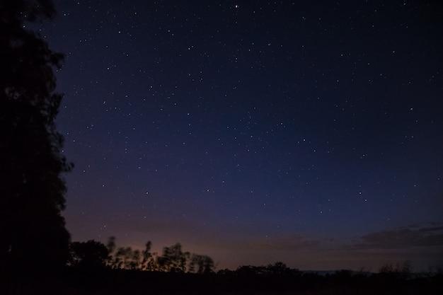 Le Ciel Nocturne A Des étoiles Photo Premium
