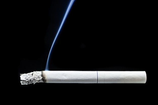 Cigarette cigarette mégot Photo Premium