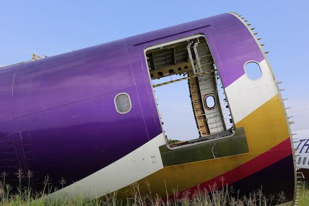Cimetière d'avion en thaïlande Photo Premium