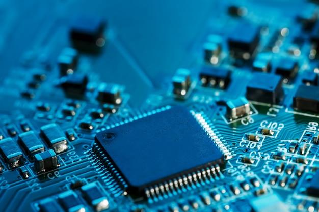 Circuit électronique, Processeur, Puces Et Condensateurs. Photo Premium